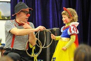 Espectáculos de clown, magia y títeres para fiestas y animaciones infantiles