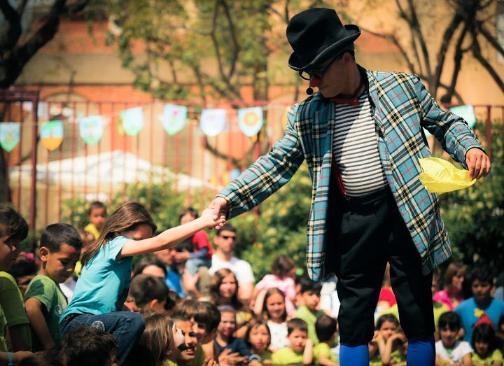 El espectáculo infantil Arzabastayan durant la temporada turística
