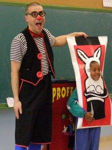 Bibliòfilus is a fun magic show
