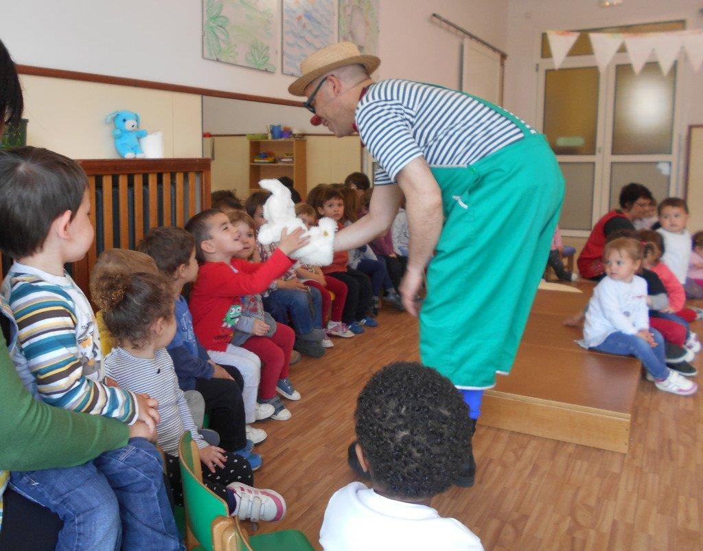 Un espectacle infantil a una escola bressol