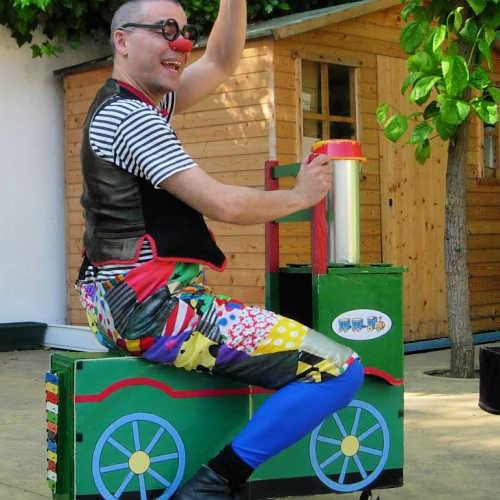 Ruskus damunt el tren a Ruskus' Little Train